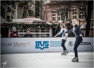 ice-skating-235540_1280